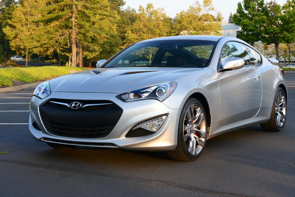 2013 hyundai genesis coupe review digital trends. Black Bedroom Furniture Sets. Home Design Ideas