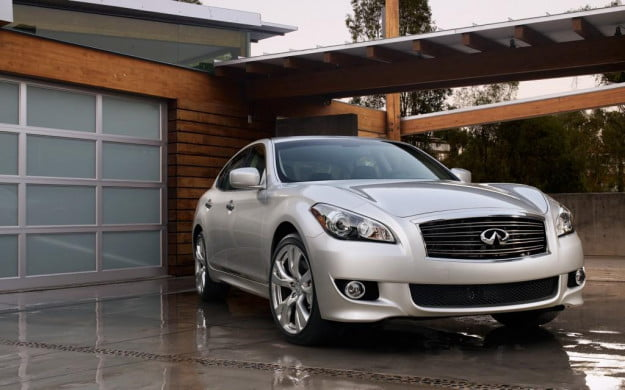 2013-Infiniti-M-Line-right-front-3-1024x640