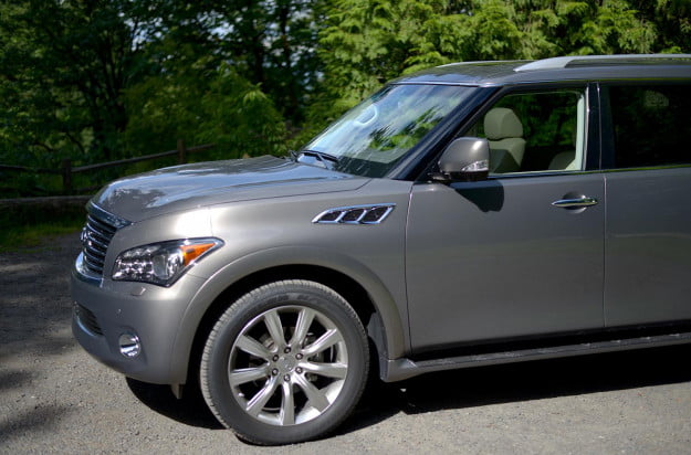 2013 Infiniti QX56 review front section angle
