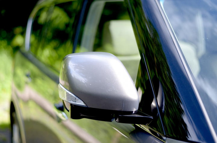 infiniti qx review right sideview mirror