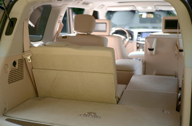 2013 Infiniti QX56 review trunk