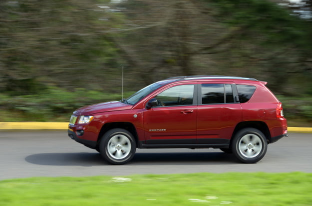 2013 jeep compass exterior motion 1
