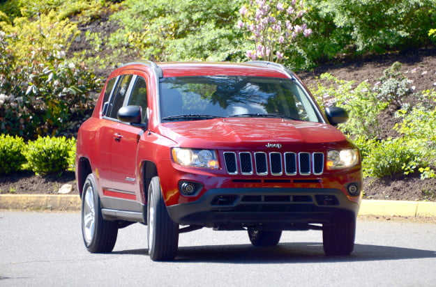 2013 jeep compass exterior motion 3