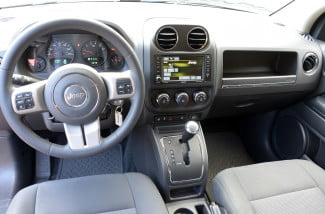 2013 jeep compass interior front 1