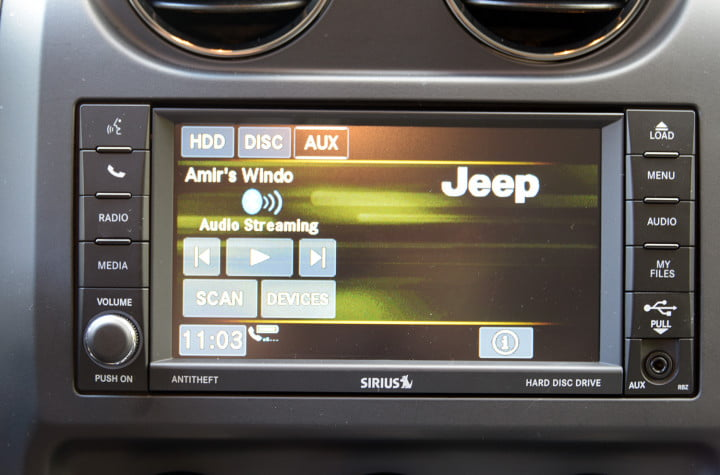jeep compass review tech audio streaming