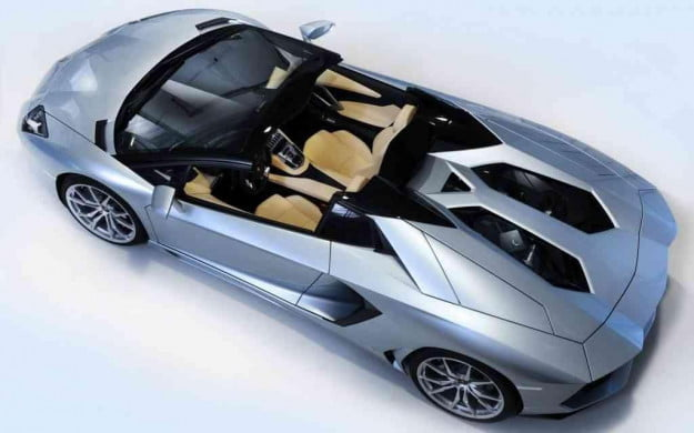 2013-lamborghini-aventador-roadster-top-down-view-1024x640-1024x640-1024x640