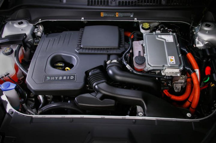 first drive lincolns  mkz hybrid makes going green easy but lacks luxury lincoln engine