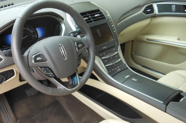 2013 Lincoln MKZ Hybrid interior front 2