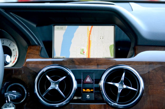 2013 Mercedes GLK350 interior GPS