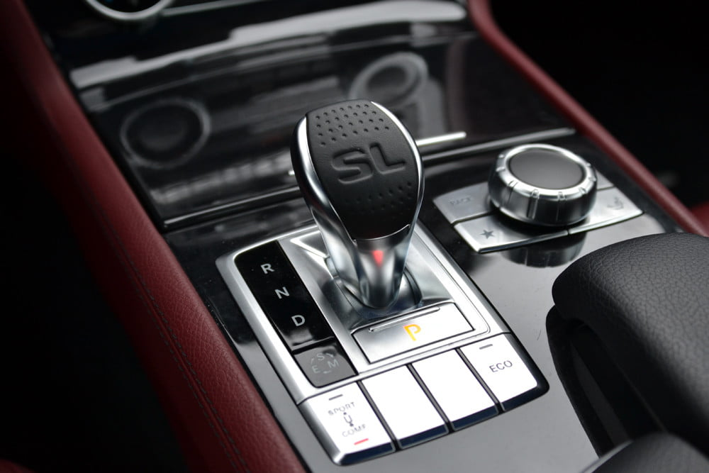 2013 Mercedes SL 550 review small gearstick