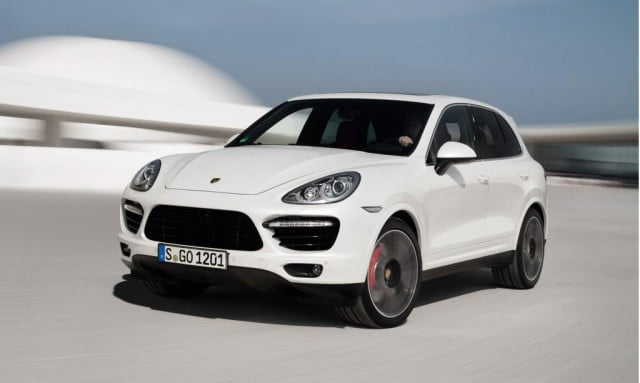 2014 Porsche Cayenne Turbo S front three quarter motion
