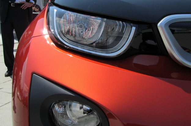 2014-BMW-i3-Reveal-exterior-headlights-macro