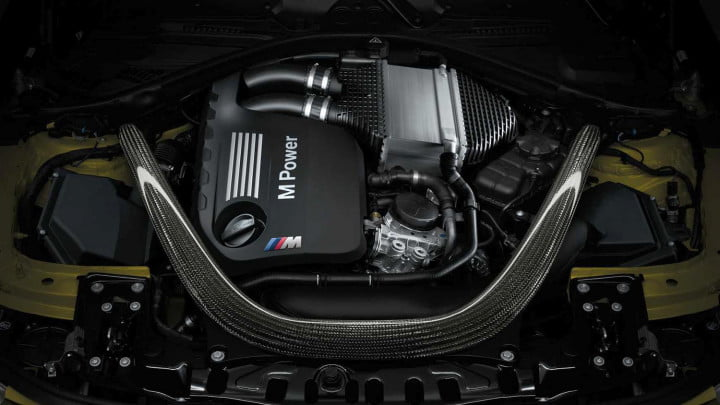 2014 BMW M4 Coupe engine