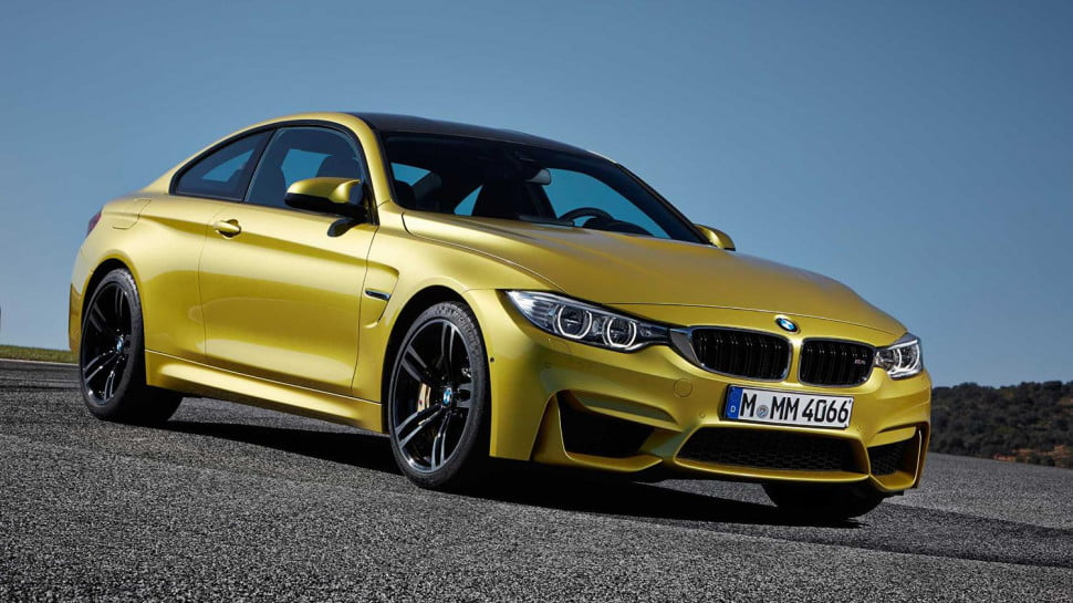 2014 BMW M4 Coupe front angle