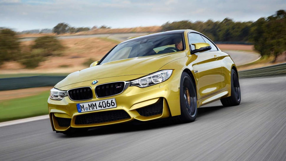 2014 BMW M4 Coupe front left motion