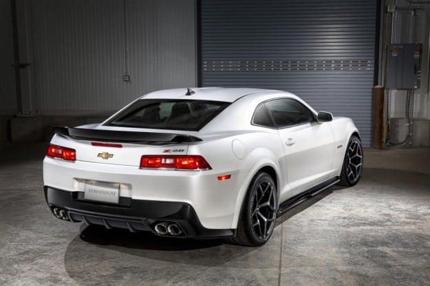 2014 Chevrolet Camaro Z/28 rear three quarter
