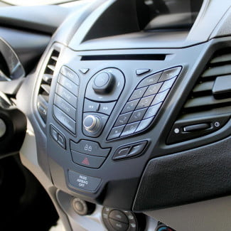 2014 Ford Fiesta SE console buttons