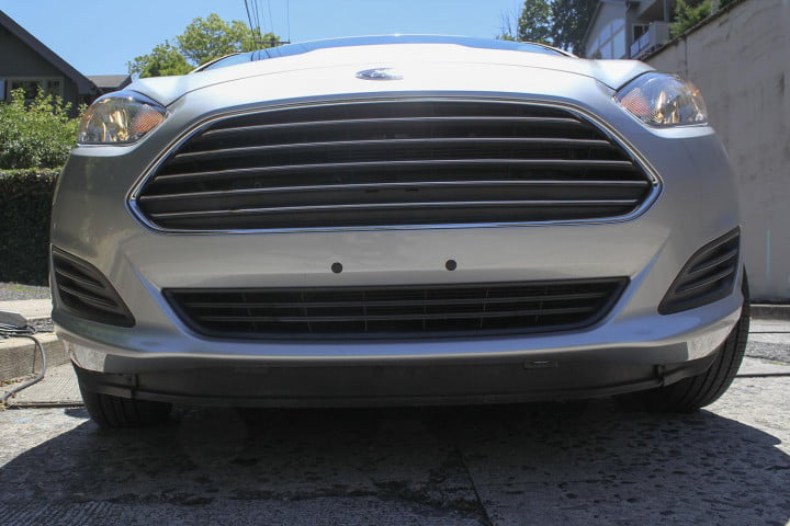 ford fiesta se review front grill