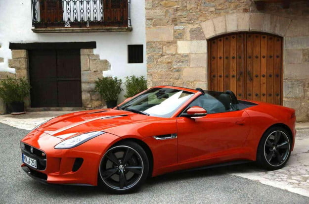 2014-jaguar-f-type-left-side-4-1500x991