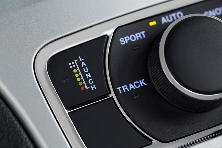 jeep grand cherokee srt review stereo control