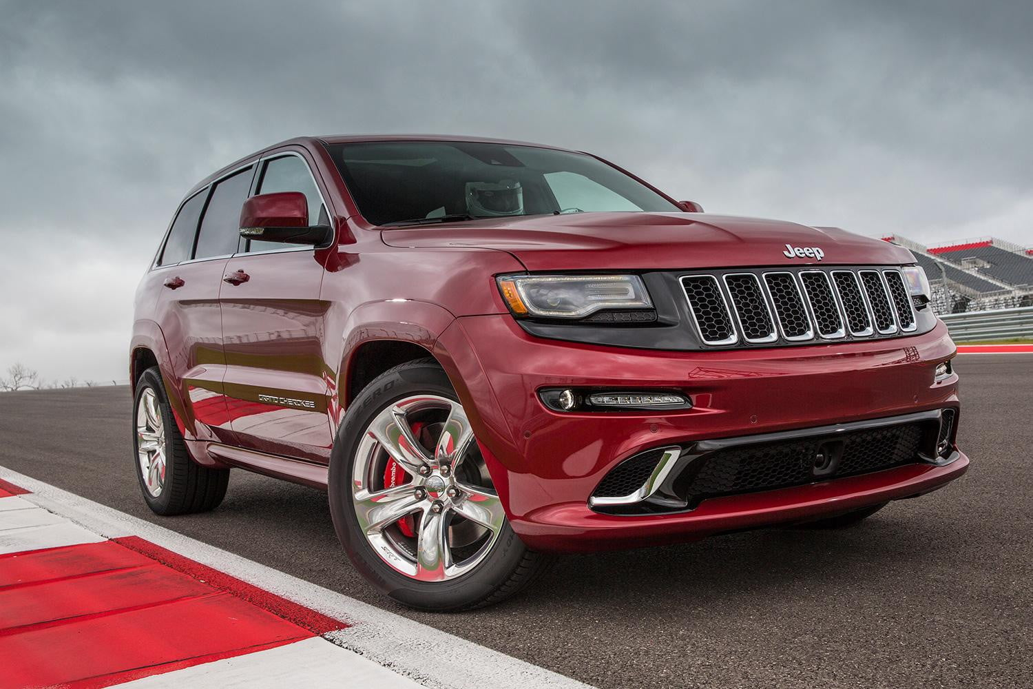 2015 jeep grand cherokee srt review digital trends. Black Bedroom Furniture Sets. Home Design Ideas
