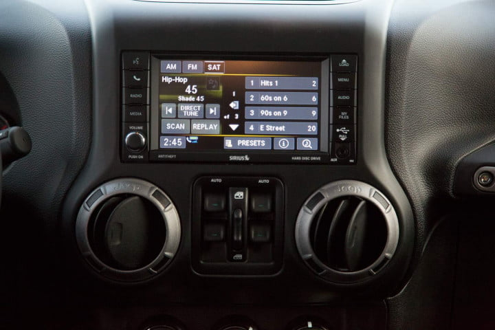 2014 Jeep Wrangler Unlimited Sport stereo