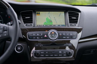 2014 Kia Cadenza interior tech