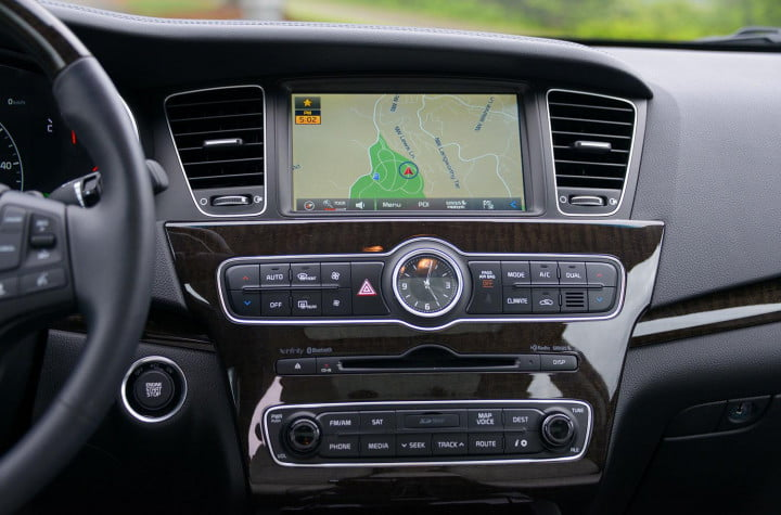 kia cadenza review interior tech