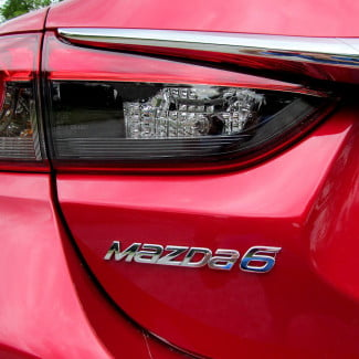 2014-Mazda6-i-Touring-review-backlight