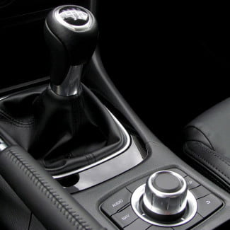 2014-Mazda6-i-Touring-review-gearstick