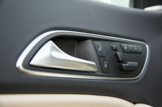 2014 Mercedes Benz CLA250 doorhandle