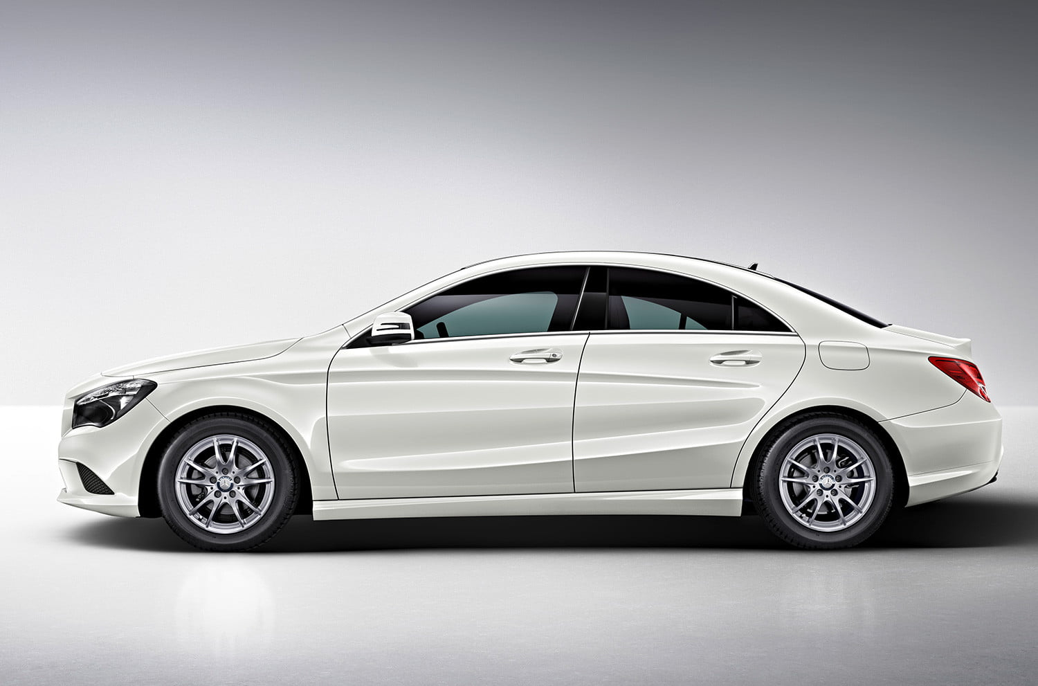 2015 audi a3 vs 2014 mercedes benz cla250 digital trends for Mercedes benz 2015 cla