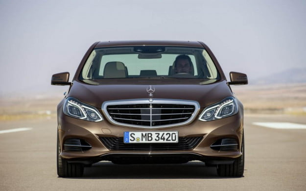 2014-Mercedes-Benz-E-Class-Luxury-Sedan-Nose-1024x640