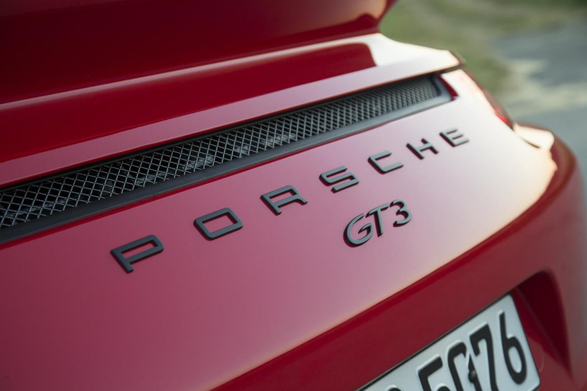 porsche  gt rs will get an all new engine report says