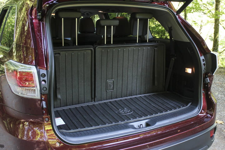toyota highlander xle awd review trunk open