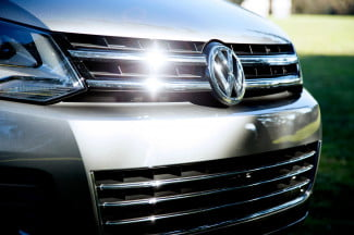2014 Volkswagen Touareg TDI Sport front grill