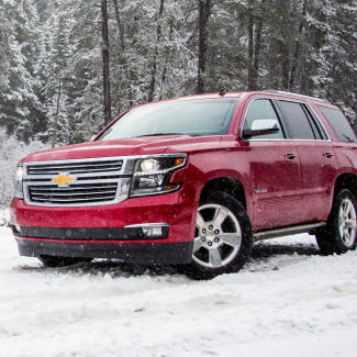 2015-Chevrolet-Tahoe-front-angle-snow