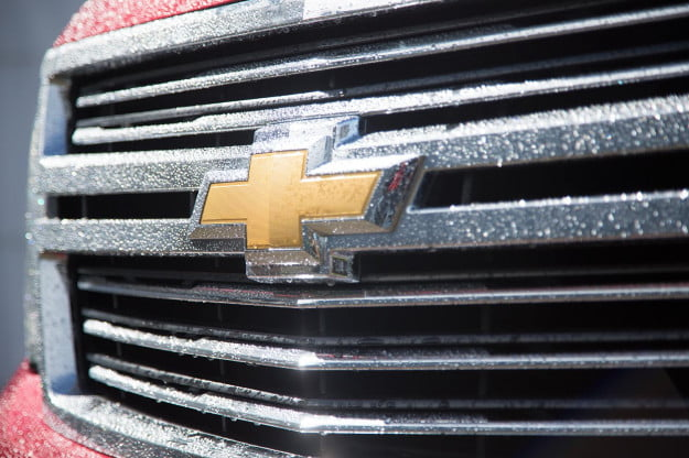 2015 Chevy Tahoe grill macro