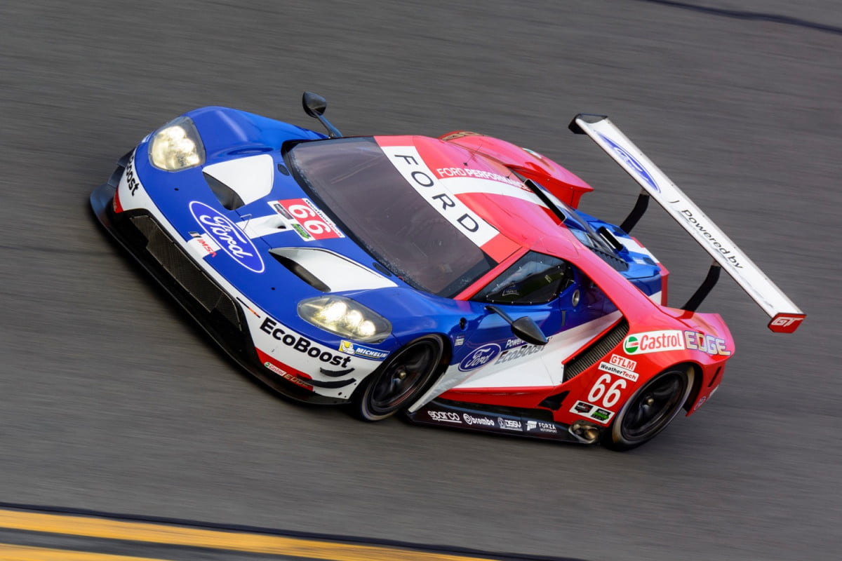 everything to know daytona  hour ford gt