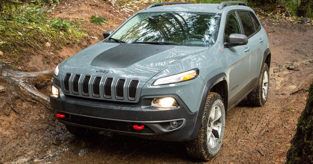 2015 jeep cherokee trailhawk review digital trends. Black Bedroom Furniture Sets. Home Design Ideas