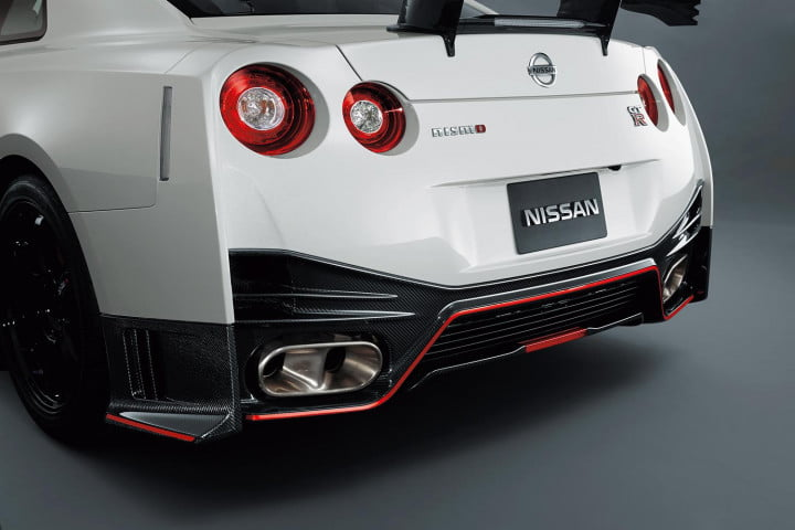nissan gt r nismo review