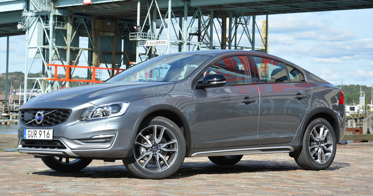 2016 volvo s60 cross country review digital trends. Black Bedroom Furniture Sets. Home Design Ideas