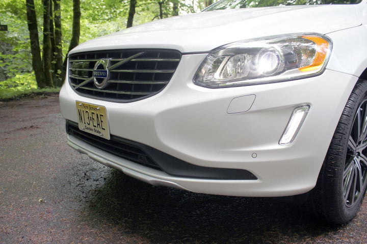 volvo xc review front grill angle