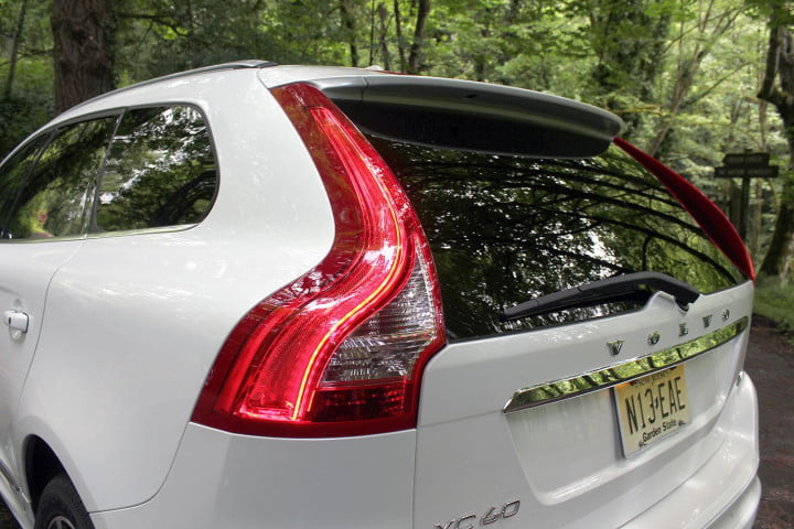 volvo xc review taillight