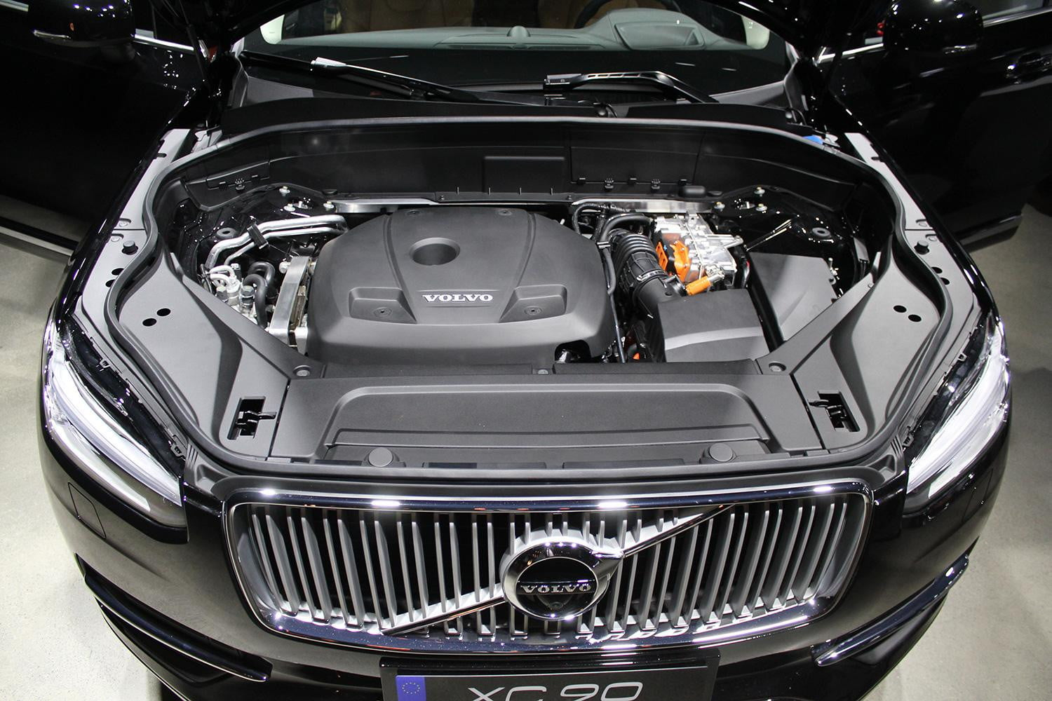 2015 volvo xc90 official specs  tech  and pictures