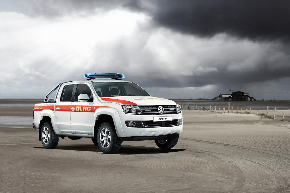 volkswagen to display emergency cars at rettmobil expo vw vehicles