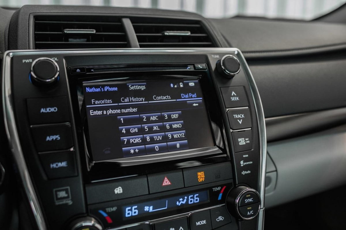 toyota studies ford smartdevicelink tech  camry xse