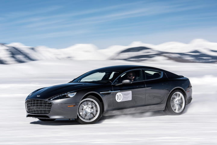 2016-Aston-Martin-On-Ice-01-am-on-ice-rapide