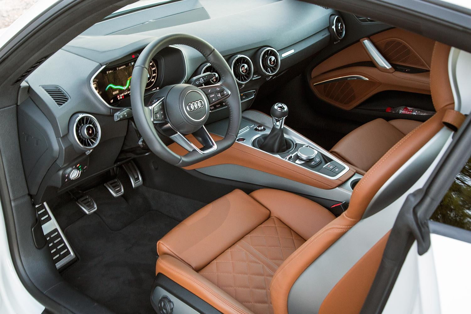 First drive 2016 audi tt and tts digital trends for Interieur foto s