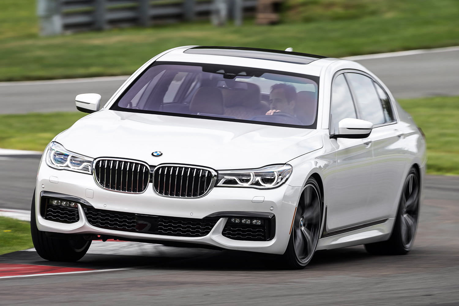 2016 bmw 7 series first drive review digital trends. Black Bedroom Furniture Sets. Home Design Ideas